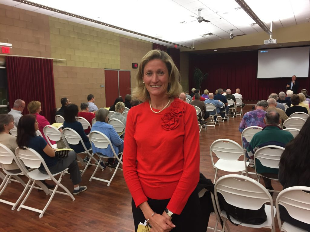 Attorney draws throng to Chandler's HOA Summit - Wrangler News