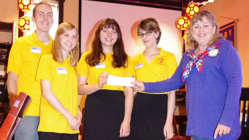 Marcos students share 'worldview' perspectives with Kyrene Rotarians