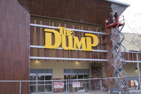 kyrene corridor residents will have a new option in coming months when they go on the prowl for discount furniture with the economy showing signs of life - The Dump Furniture Store