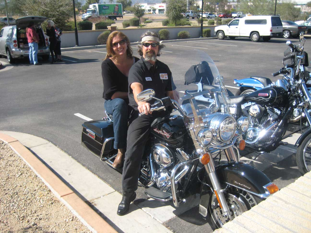 Neighborhood News & Notes – Making motorcycle aficionados, one memorable ride at a time